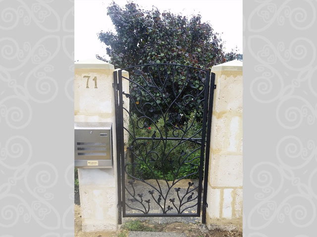 Floral Design Entry Gate