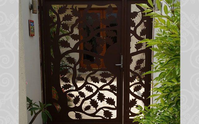 Maple Leaf Gate