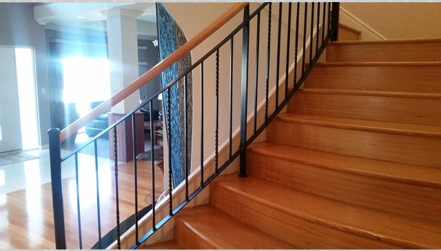 Modern Black Balustrade Wood Rail