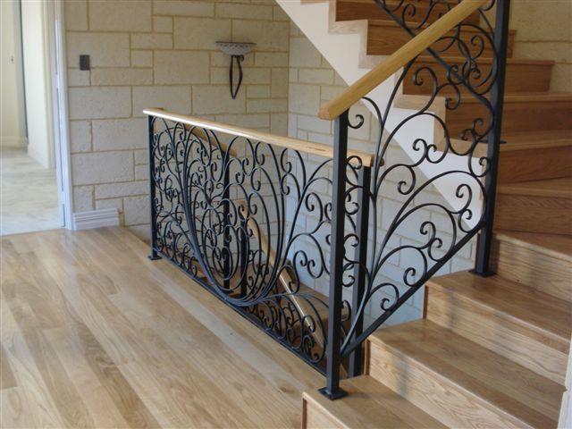 Modern Style Woodrail Black Balustrade