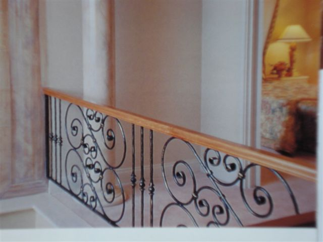 Woodrail With Black Scrolls Balustrade