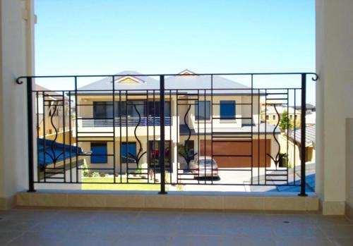Modern Feature Balcony Balustrade