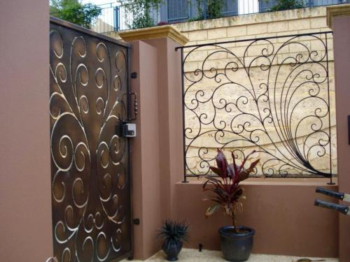 Peacock Scroll Gate And Fence