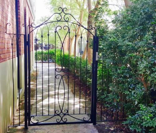 top-scroll-garden-gate
